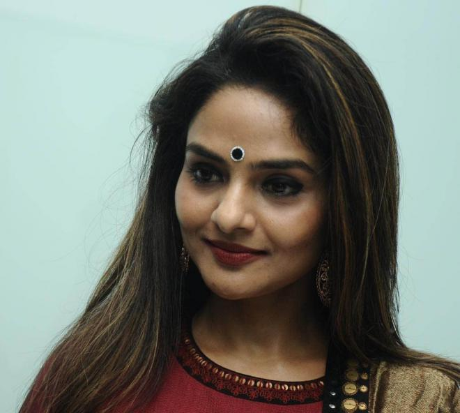 Madhoo Net Worth