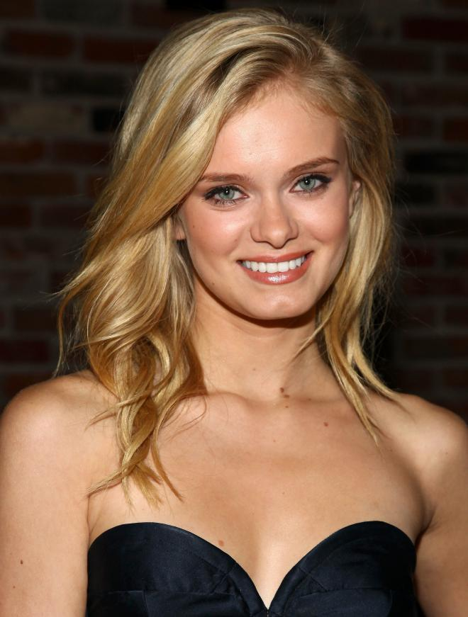 Sara Paxton Net Worth